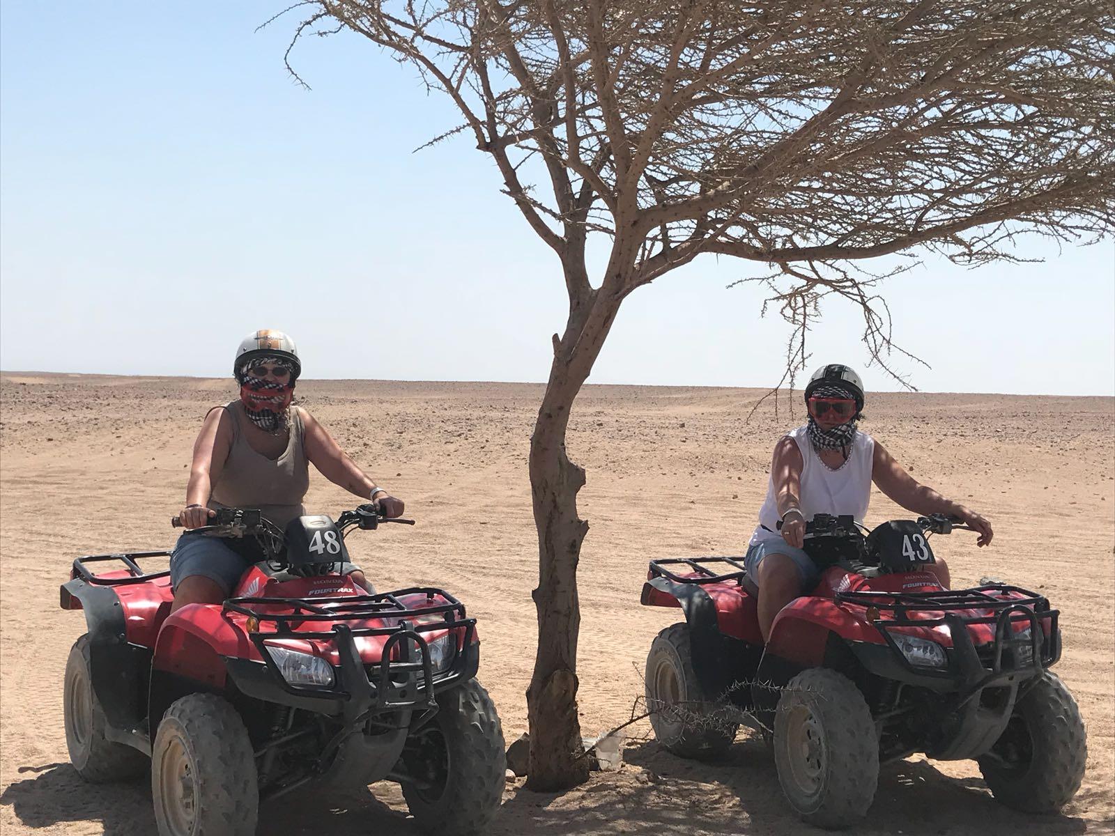 Quad-Safari 3 Stunden ab Hurghada mit Kamelritt