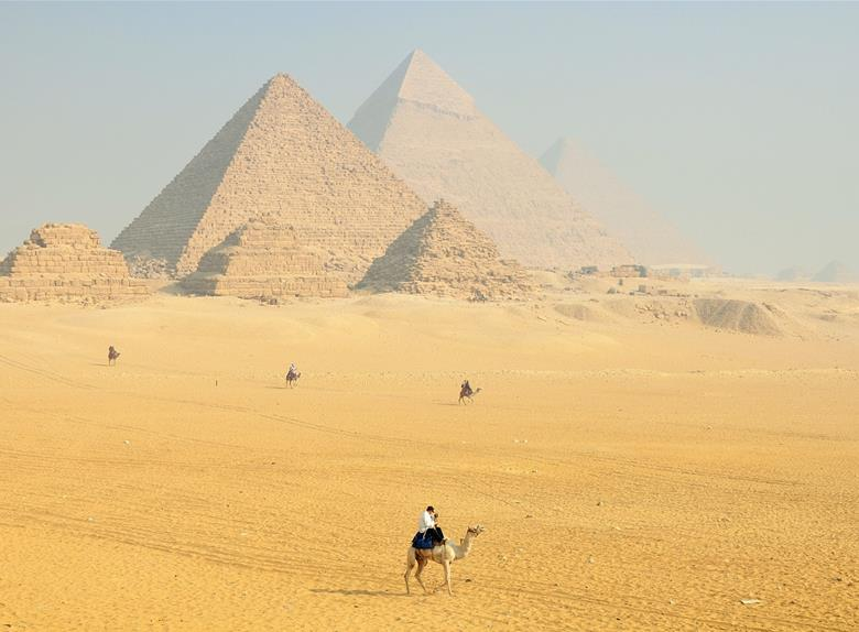 Tagesausflug nach Kairo mit dem Flugzeug ab Hurghada