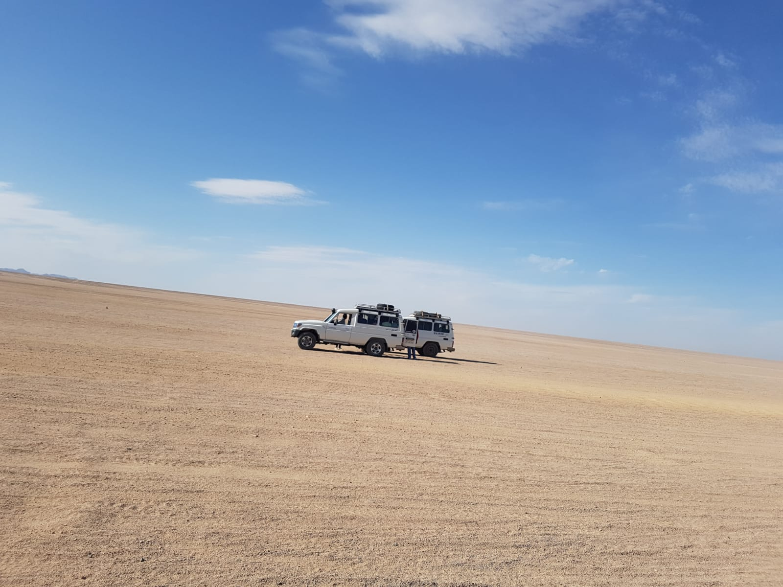 6-stündige Safari Tour : Quad fahren, Buggy,BBQ, Jeep, Kamelritt ab Soma Bay/Safaga:
