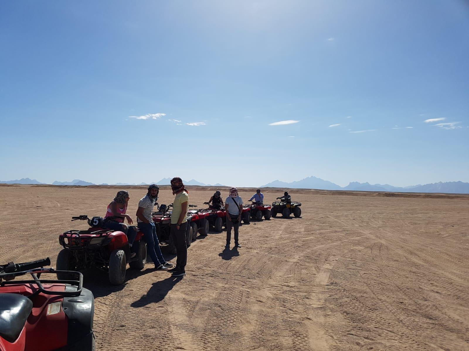 3 stündige Quad Safari ab El Gouna mit Kamelritt