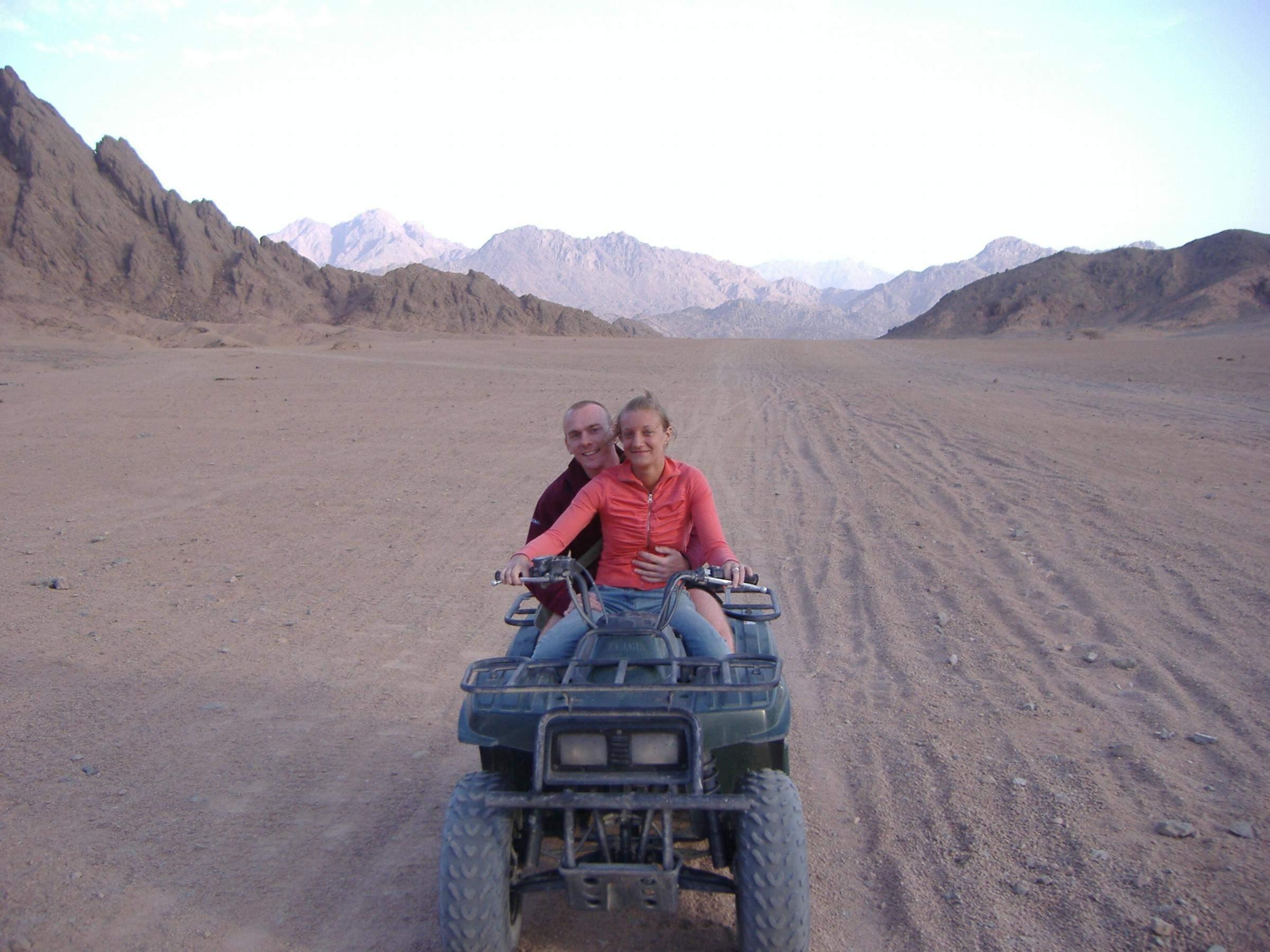 Ausflug mit dem Quad  durch die Wüste von Sharm el Sheikh