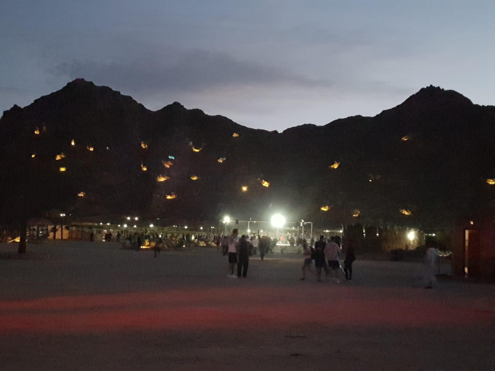Kamelreiten und Sterne beobachten in der Wüste von Sharm el Sheikh