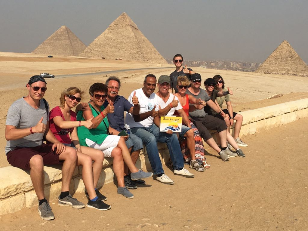 Gizeh, Sakkara und Memphis mit dem Flugzeug ab Sharm el Sheikh