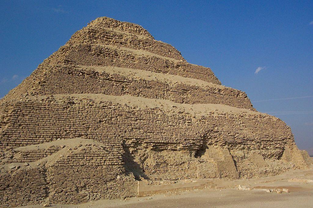 Stufenpyramide von Sakkara und Pyramiden von Gizeh ab Hafen von Alexandria