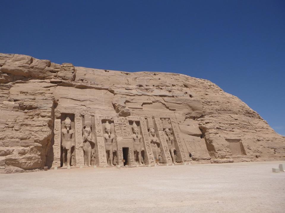 Ausflug nach Abu Simbel mit dem Bus ab Assuan